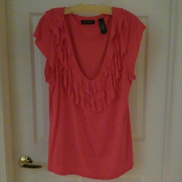 Axcess Tops - AXCESS NWOT CORAL RUFFLE ACCENT TOP SIZE XL